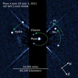 ハッブル観測、冥王星に4番目の...