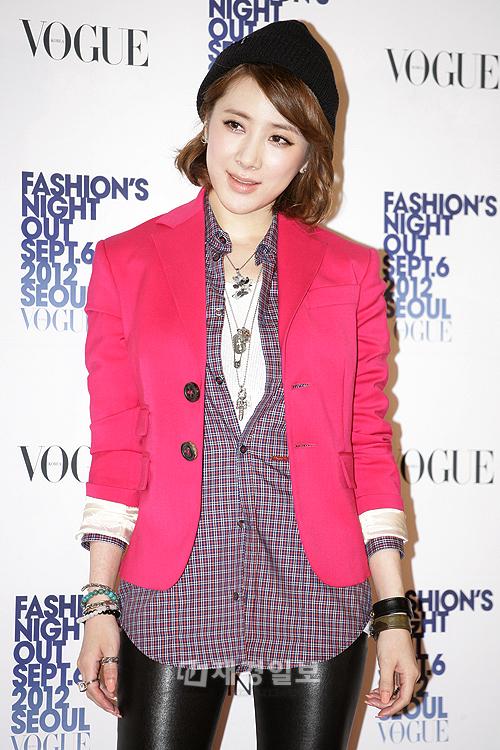 previous image Vogueファッションナイトアウト ユン・ウネ、BoAらが出席(33) ソ