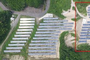 日本アジアグループ傘下の国際航業は「佐賀・厳木ソーラーウェイ」太陽光発電所の増設工事が完了したと発表した。(写真:同社発表資料より)