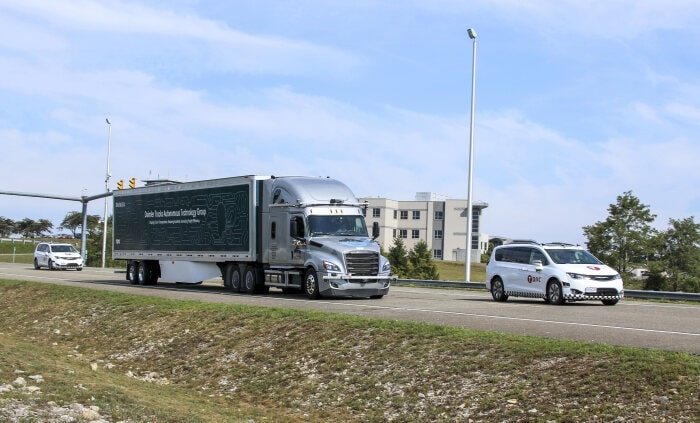 Photo of Level 4 of the automatic driving to realize the Daimler Autonomous truck road test