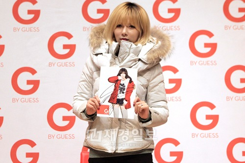 4Minuteヒョナ、「G by GUESS」のサイン会